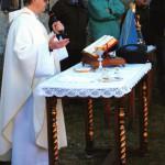 Don Bruno Biotto celebra la Santa Messa