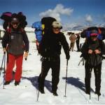 Alla partenza dal campo base ai fianchi del capo spedizione Castiglioni Mario