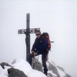 Il Socio Alpino Donegana Giovanni in vetta